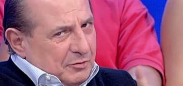 Giancarlo Magalli durante una trasmissione
