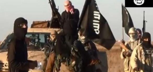 Militanții Statului Islamic se retrag din grupare