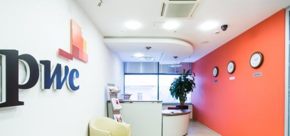 PwC oferece vaga para profissionais e estagiários