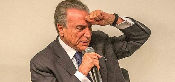 Michel Temer insinua querer o impeachment de Dilma