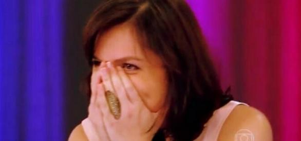 Iozzi erra e manda beijo para Evaristo Costa