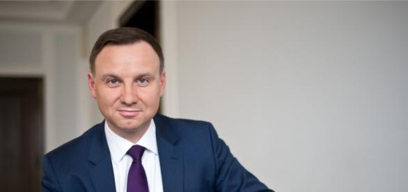 Trudna decyzja Andrzeja Dudy w sprawie referendum.