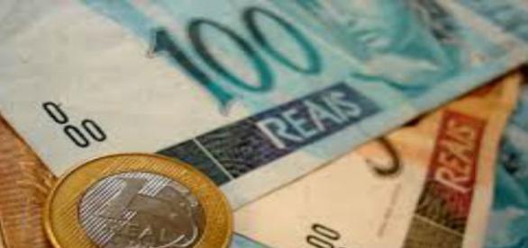 Dinheiro brasileiro está cada vez mais escasso