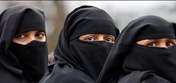 O femeie musulmană a fost bătută în Londra