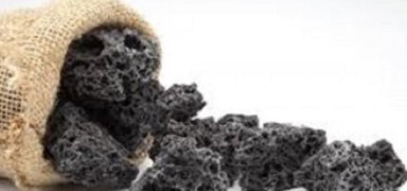 Dolce dell'Epifania, il carbone di zucchero.