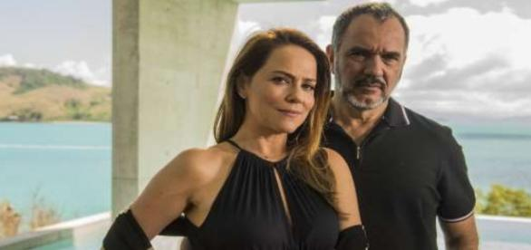 Lili demite o marido por ele defender Jonatas
