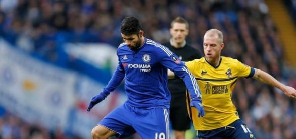 Chelsea le ganó al Scunthorpe United 2-0