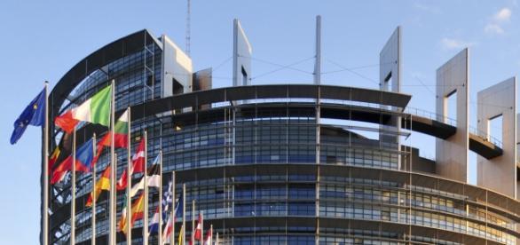 Debata 751 eurodeputowanych w sprawie Polski