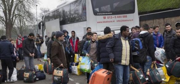 Morreram 13 refugiados em dois acidentes
