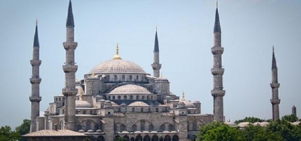 Frente a la Mezquita Azul se produjo la explosión