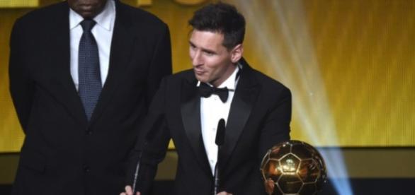 Messi fica com o 'Bola de Ouro' mais uma vez