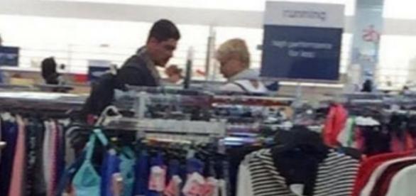 Xuxa em loja - Foto/Reprodução: Facebook