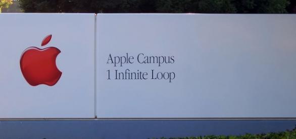Cartel de Apple Campus. Autor: Elwood J. Blues