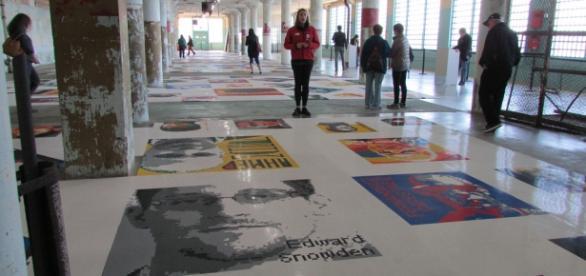 Exposición con figuras de Lego de Ai Weiwei.