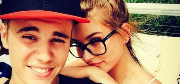 Justin Bieber e Hailey Baldwin, sua amiga