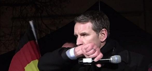 Mikrofon w nowej roli - jako potężna broń...