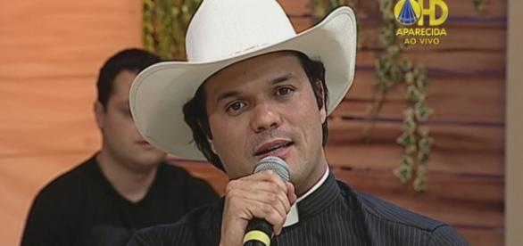 Padre Alessandro Campos - Reprodução: TV Aparecida