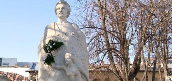 Statuia marelui poet, vandalizată sistematic!