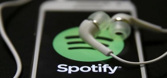 Demanda millonaria a Spotify por derechos de autor