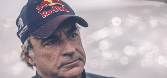 Sainz y un abandono cuando lideraba la competencia