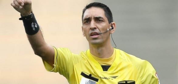 Flávio R. Guerra, suspenso desde Novembro de 2015