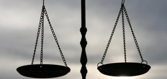 Immagine della bilancia della giustizia