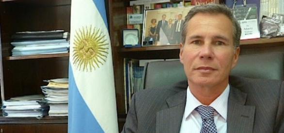 El fiscal Nisman en su despacho.