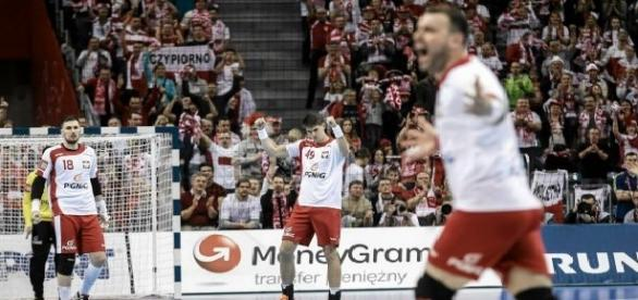 Polacy cieszą się ze zwycięstwa nad Macedonią