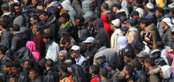 Imigranţii, tineri şi virili prin Europa