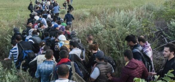 Refugiados que desejam chegar até à Europa