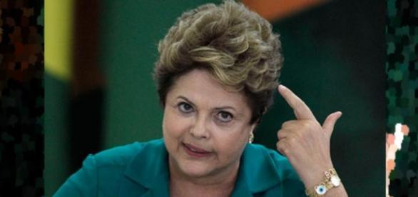 Dilma comemora os milhões injetados no futebol