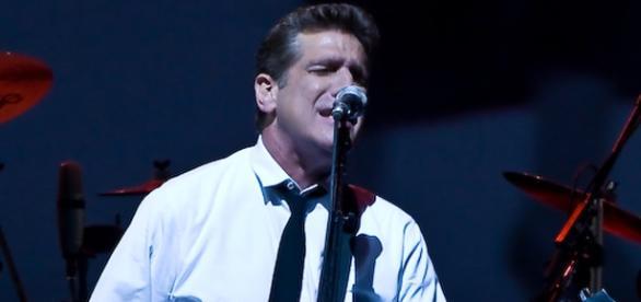 Glenn Frey fue guitarra, teclado, armónica y voz