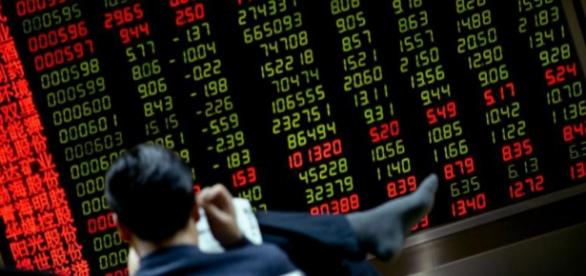 Investors wait patiently as global markets fall