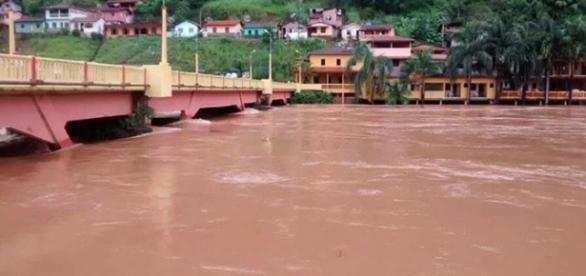 Nível da água subiu muito e assustou moradores