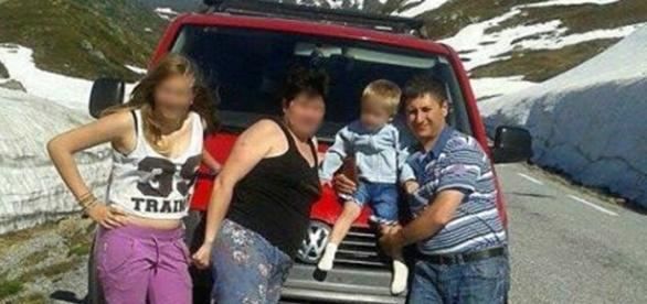 O familie încercată. Preluare foto Digi24.ro