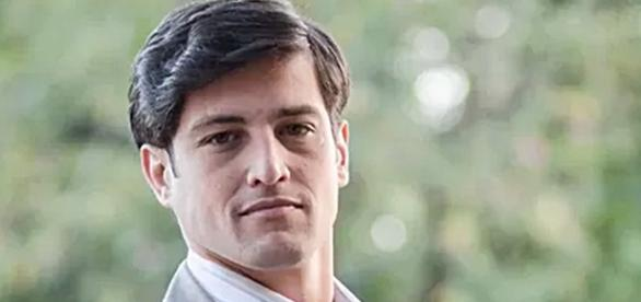 Alexandre Slaviero: Sandro na novela 'Em Família'