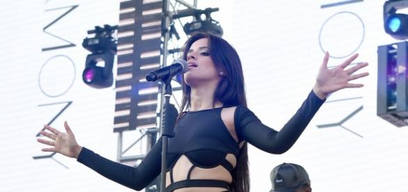 "Camila Cabello lacra cantando ""Love Yourself""!"