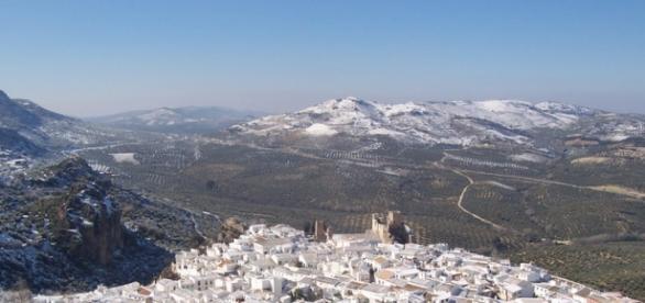 Os mostramos la colina de Zuheros.