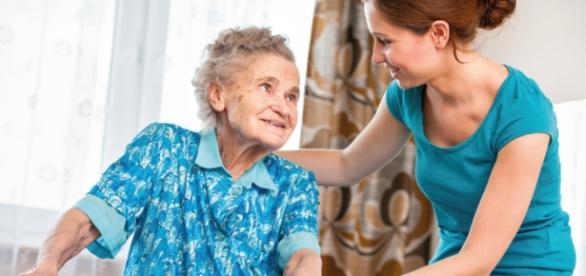 Há vagas para cuidador de idosos