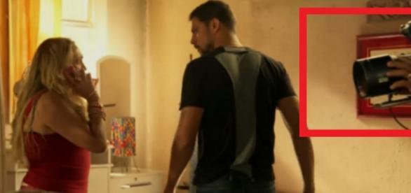 Câmera aparece em cena de novela