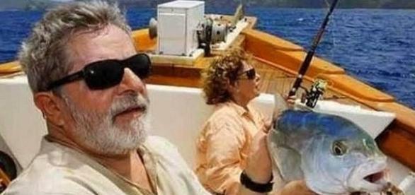 Lula deverá ser indiciado por lavagem de dinheiro
