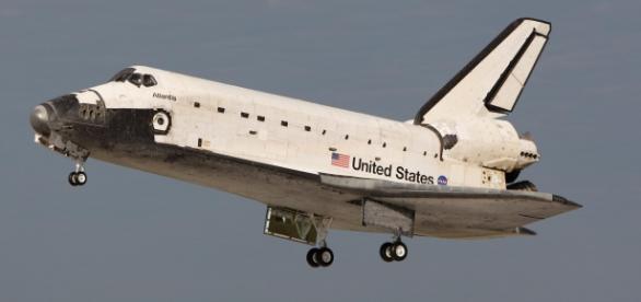 Space shuttle Atlsntis STS 61B (Wikipedia)
