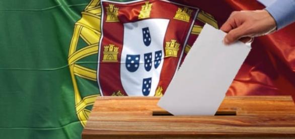 Resultado de imagem para portugueses a votar