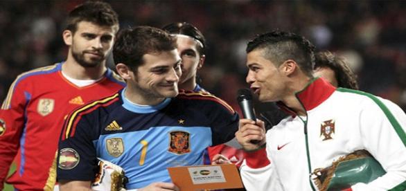Casillas y Cristiano en un España-Portugal