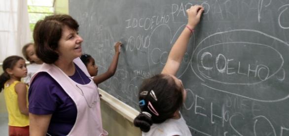 Confira as vagas disponíveis na educação