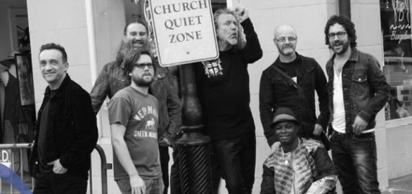 Robert Plant e a sua banda nos NOS Alive.