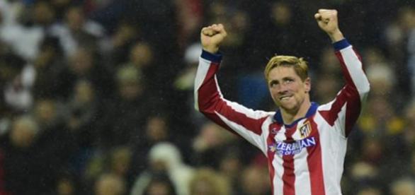 Fernando Torres celebra un gol con el Atlético