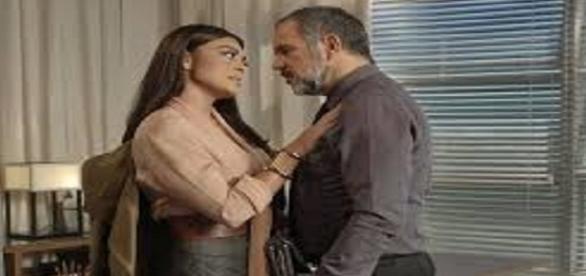 Germano é acusado por Lili de traição com Carolina