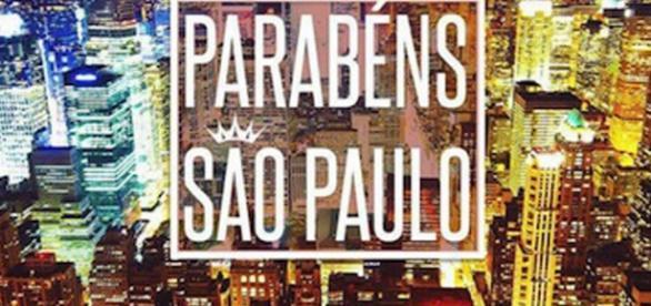 Ivete homenageia São Paulo com foto de New York