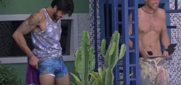 Renan mostra demais - Foto/Reprodução: BBB